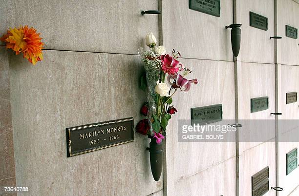 Los Angeles, UNITED STATES: A view is seen of Marilyn Monroe's crypt, 19 March 2007, in the Westwood Memorial Park in Los Angeles, California....