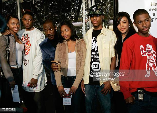 Actor Eddie Murphy and unidentified family members pose as they arrive late 08 February 2007 at the premiere of Norbit in Los Angeles In Norbit...
