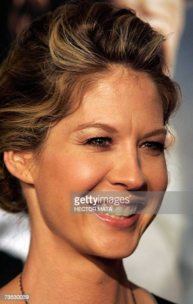 Actress Jenna Elfman arrives for the premiere of the Paramount Pictures production Shooter in Los Angeles CA 08 March 2007 The film starring Mark...