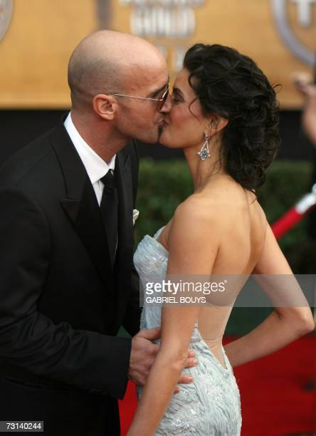 Actress Teri Hatcher and Stephen Kay arrive on the red carpet of the 13th Annual Screen Actors Guild Awards in Los Angeles 28 January 2007 AFP...