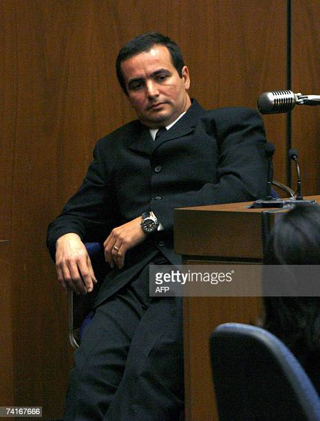 Los Angeles, UNITED STATES: Adriano De Souza, former driver for Phil Spector, testifies how he saw Lana Clarkson's body slumped in a chair in the...
