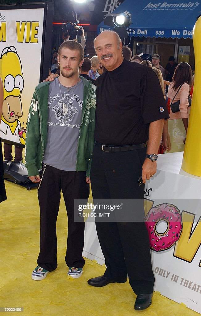 Dr. Phil and son Jordan arrive for the W... : News Photo