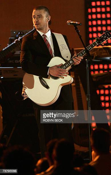 Justin Timberlake performs at the 49th Grammy Awards in Los Angeles 11 February 2007 AFP PHOTO/Robyn BECK