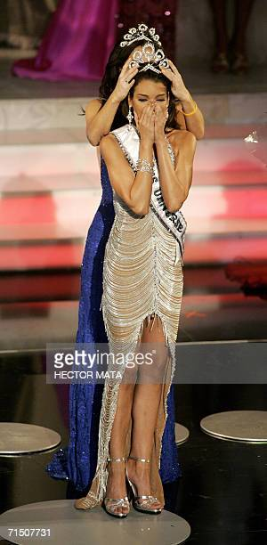 Miss Puerto Rico Zuleyka Rivera Mendoza reacts after being crowned Miss Universe 2006 in Los Angeles 23 July 2006 Beauties from 86 nations met for...