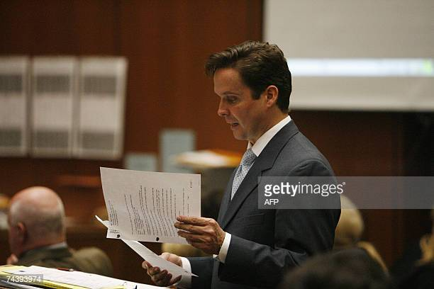 Los Angeles, UNITED STATES: Prosecutor Alan Jackson reads one of Lana Clarkson's e-mails during the afternoon session of the Phil Spector murder...