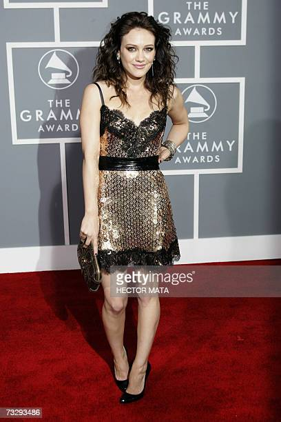 Los Angeles, UNITED STATES: Singer Hilary Duff arrives at the 49th Grammy Awards in Los Angeles 11 February 2007. AFP PHOTO/Hector MATA