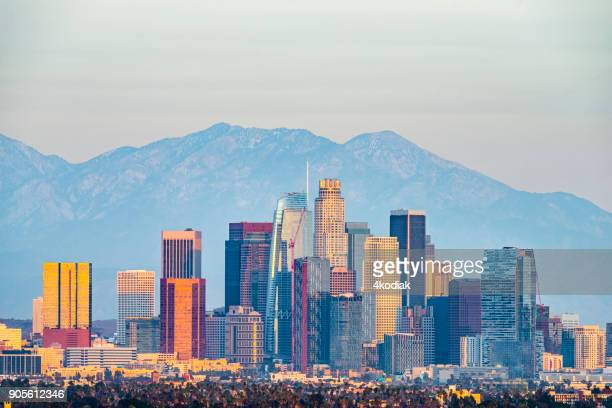 los angeles with san gabriel mountain in the background - san gabriel mountains stock pictures, royalty-free photos & images