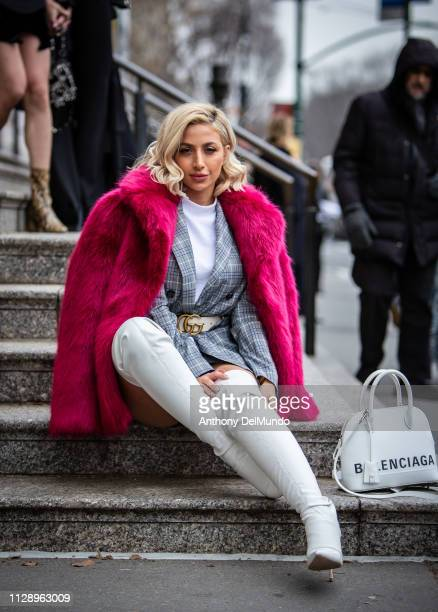Los Angelesbased fashion model who is known for her social media name Model Roz poses as she attends Carolina Herrera fall 2019 runway show during...
