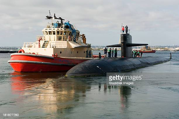 los angeles-class attack submarine uss san francisco. - naval base stock pictures, royalty-free photos & images