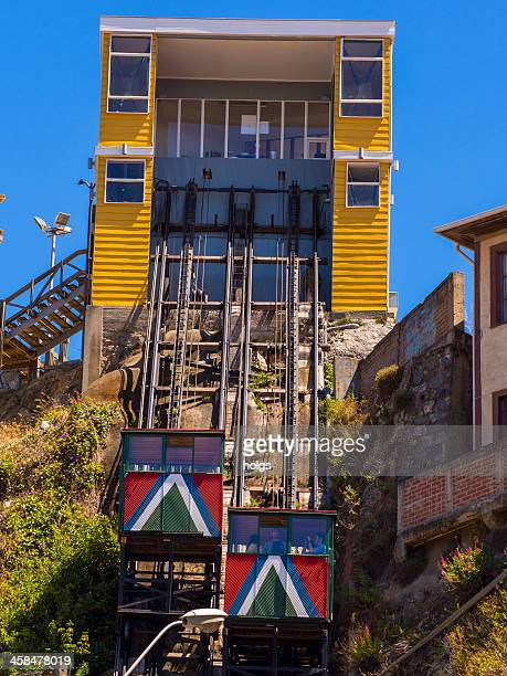 los ascensores de valparaiso funicular railway, chile - valparaiso chile stock pictures, royalty-free photos & images