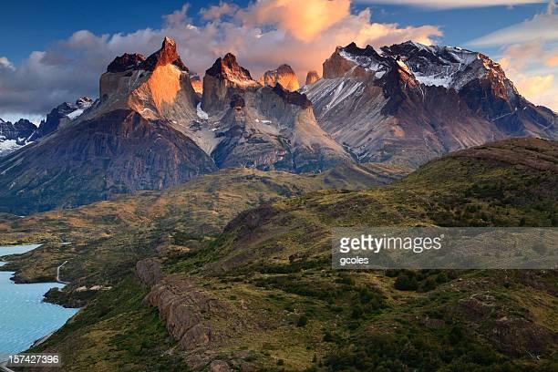 Los torres y Monte Almirante Nieto