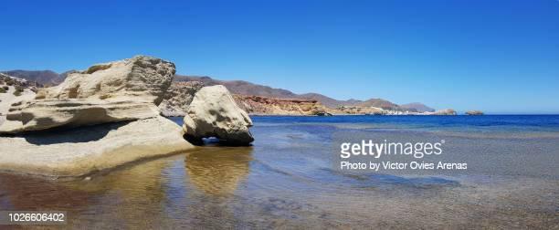 los escullos beach, cabo de gata, almeria, spain - victor ovies fotografías e imágenes de stock
