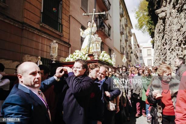 los facundillos holy week procession - cloche de paques photos et images de collection