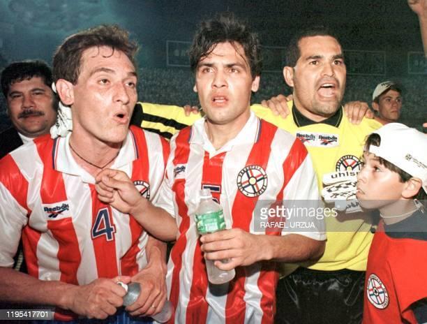 Los jugadores de la Seleccion Paraguaya Carlos Gamarra Celso Ayala y el Capitan Jose Luis Chilavert festejan la victoria de Paraguay sobre su similar...