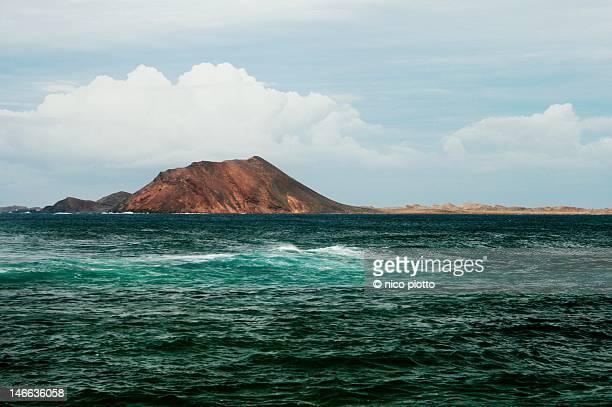 los lobos island - islas canarias fotografías e imágenes de stock
