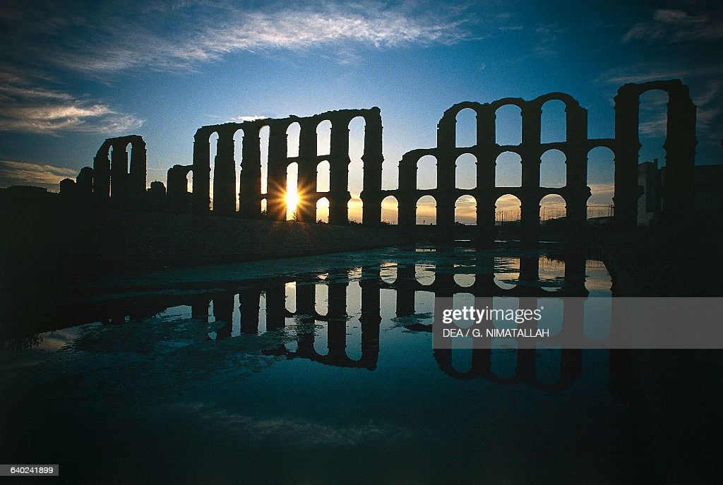 Los Milagros Roman aqueduct, Merida, Extremadura : Nachrichtenfoto