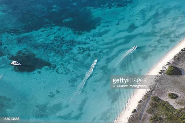 los roques from above - paisajes de venezuela fotografías e imágenes de stock
