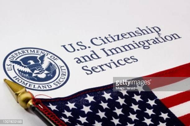 Los venezolanos de visita en EEUU y que no pueden regresar a su país por las restricciones por el coronavirus pueden perdir una extensión de su...