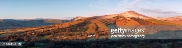 lose hill winter sunrise, castleton, peak district. uk - peak district national park stock pictures, royalty-free photos & images