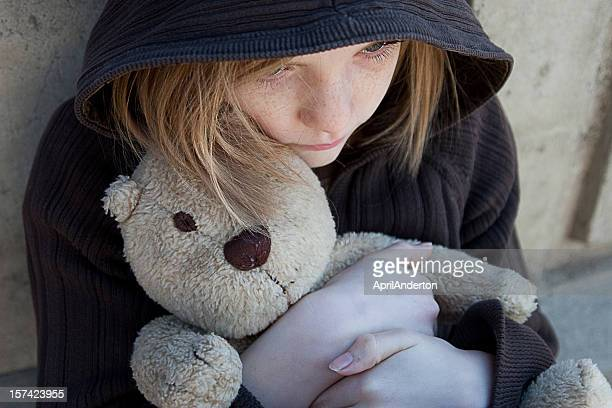 lost child - homelessness stock pictures, royalty-free photos & images