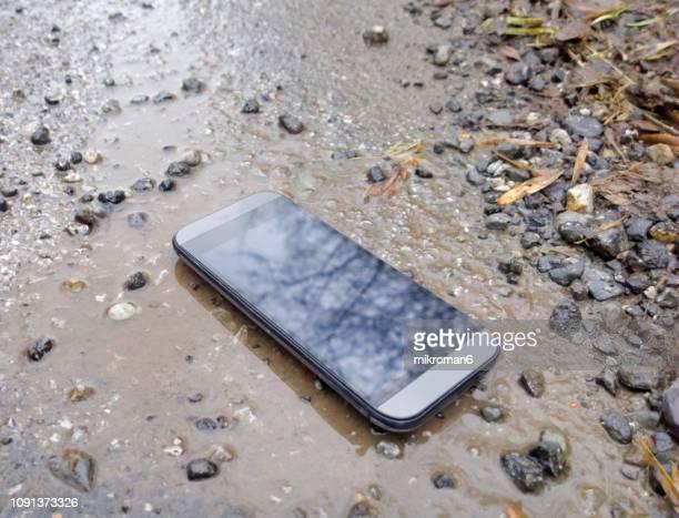 lost mobile phone - pérdida fotografías e imágenes de stock