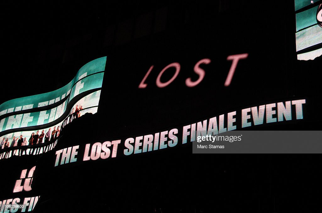 "Fans Watch ""Lost"" Series Finale In Times Square"