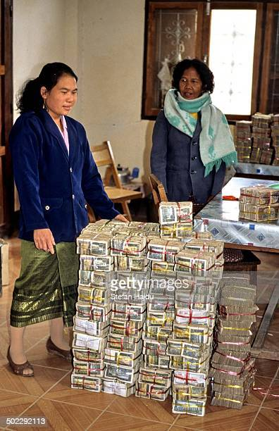 Lot of money inside a bank with very low safety standards !!!!!!