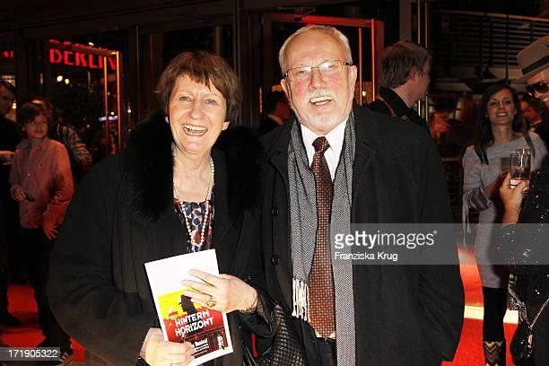 Lothar De Maiziere Und Ehefrau Marianne Bei Der Aftershowparty Im Adagio Nach Der Premiere Des Musicals Hinterm Horizont Im Theater Am Potsdamer...