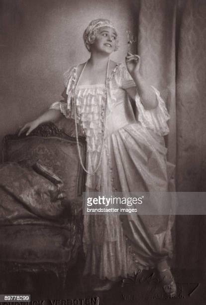 Lotte Lehmann as Manon Lescaut in Manon Lescaut by Giacomo Puccini Photographie Around 1925