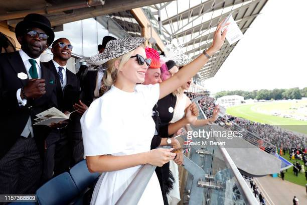 Lottie Moss Pippa BennettWarner Victoria Pendleton and Heida Reed enjoy the races at Longines host VIPs in their private suite Royal Enclosure at...