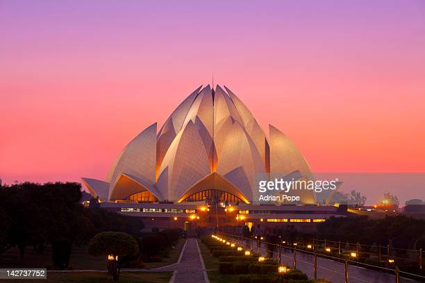 lotus temple, new delhi, india - new delhi stock pictures, royalty-free photos & images