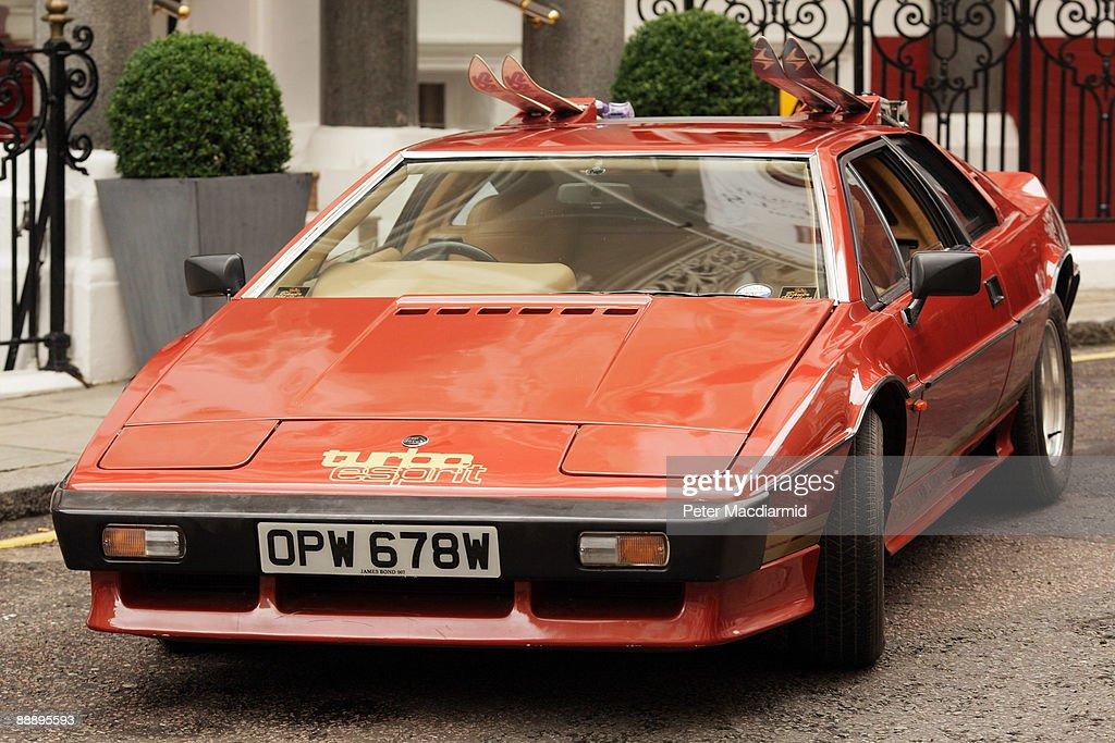 a lotus turbo esprit car from the 1981 james bond film. Black Bedroom Furniture Sets. Home Design Ideas
