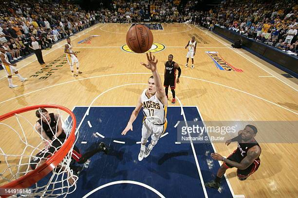 Lou Amundson of the Indiana Pacers shoots against Lou Amundson of the Miami Heat in Game Four of the Eastern Conference Semifinals during the 2012...