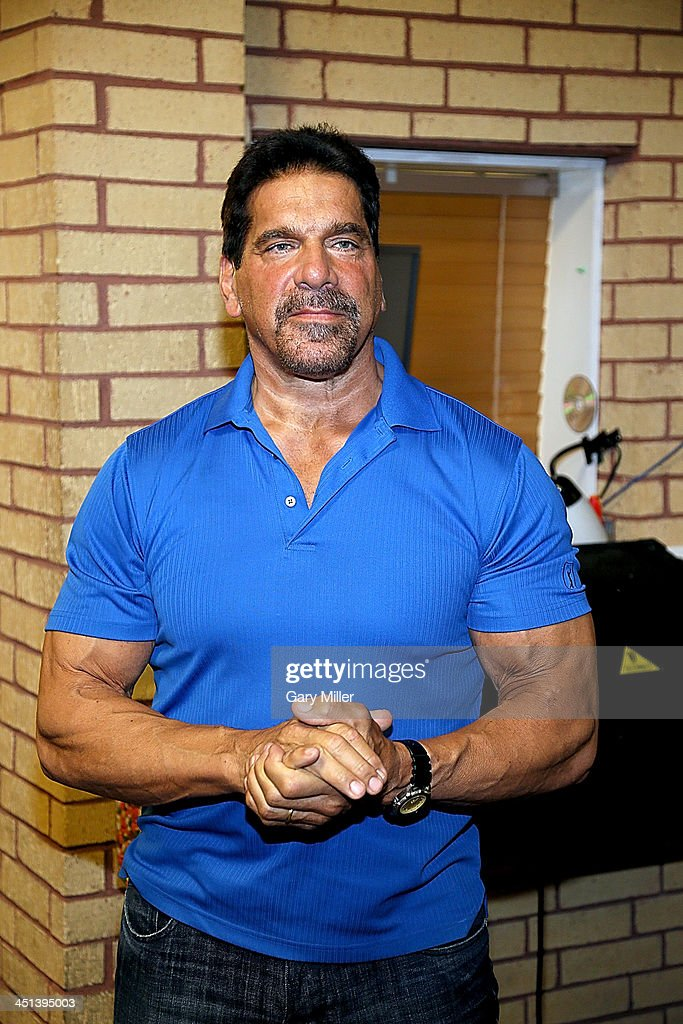 Lou Ferrigno appears at Discount Electronics while in town for Wizard World Austin Comic Con on November 21, 2013 in Austin, Texas.