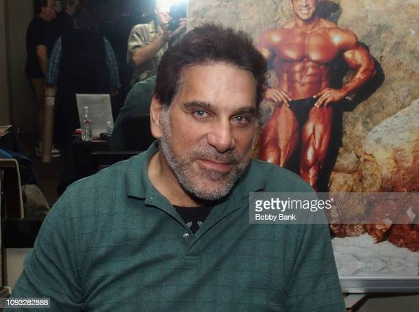 Lou Ferrigno attends The Hollywood Autograph Show at The Westin Los Angeles Airport on February 2, 2019 in Los Angeles, California.