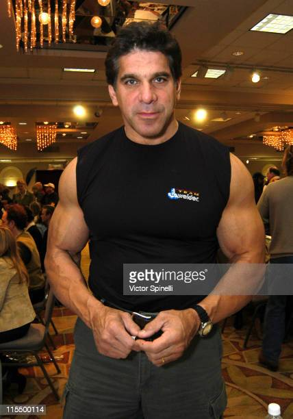 Lou Ferrigno during Hollywood Collections and Celebrity Show January 17 2004 at Beverly Garland Holiday Inn in Hollywood California United States