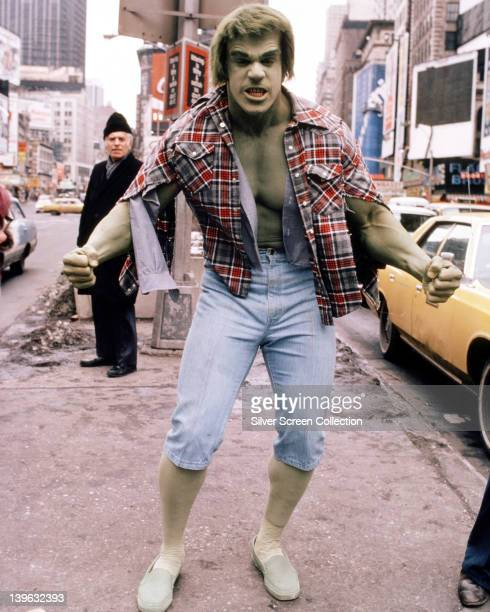 Lou Ferrigno US actor and bodybuilder in holding a pose in a publicity portrait issued for the US television series 'The Incredible Hulk' USA circa...