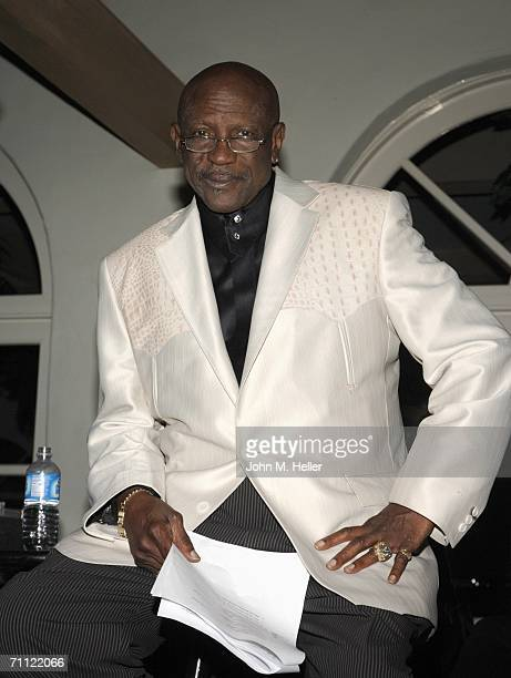 Lou Gossett, Jr. Attends the 3rd Annual Malibu Global Awareness Dinner Gala And Celebration For Doctors Without Borders June 3, 2006 in Malibu,...