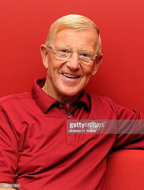 """Lou Holtz visits """"FOX & Friends"""" at the FOX studios on September 1, 2010 in New York City."""