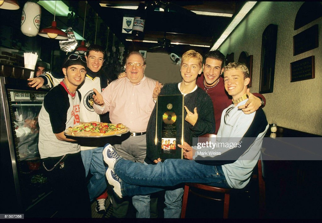 Lou Pearlman with N'Sync - 1996 : News Photo