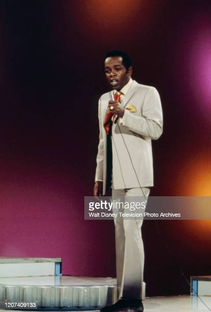 Lou Rawls performing on the ABC tv series 'Thursday Night Special'