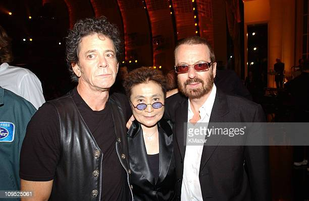 Lou Reed Yoko Ono Dave Stewart during TNT'Come Together' A Night for John Lennon's Words Music Dedicated to New York City and its People Backstage at...