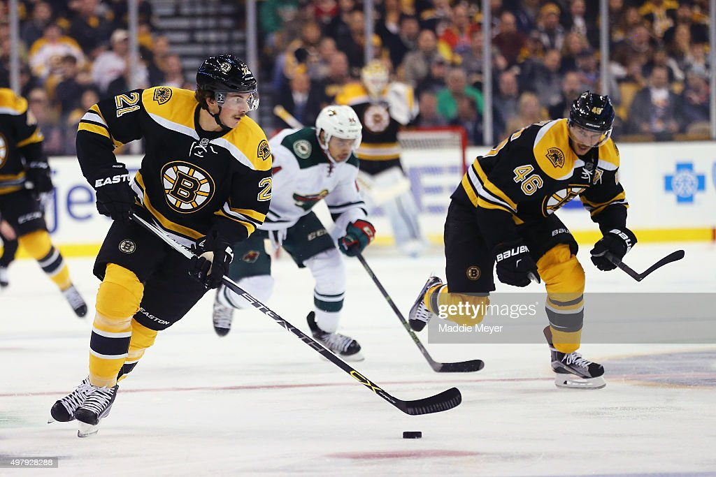 Loui Eriksson #21 of the Boston Bruins skates against the Minnesota Wild during the third period at TD Garden on November 19, 2015 in Boston, Massachusetts. The Bruins defeat the Wild 4-2.