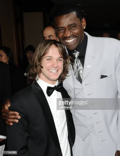 Louie Vito and Michael Irvin arrive at the 25th Anniversary Of CedarsSinai Sports Spectacular held at Hyatt Regency Century Plaza on May 23 2010 in...