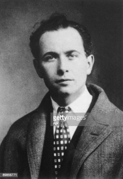 Louis Aragon french author communist here in 1927
