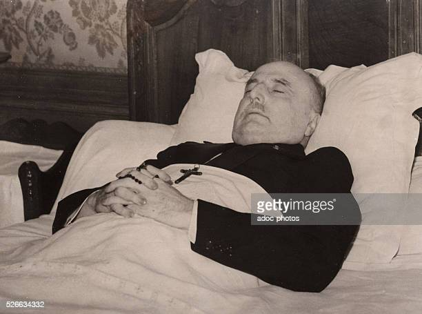 Louis Bl��riot on his deathbed In 1936