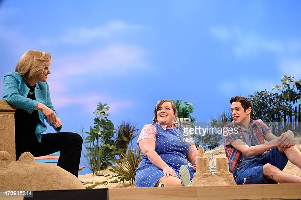 """Louis C.K."""" Episode 1683 -- Pictured: Kate McKinnon as Hillary Clinton, Aidy Bryant and Pete Davidson during the """"Summertime Cold Open"""" skit on May..."""