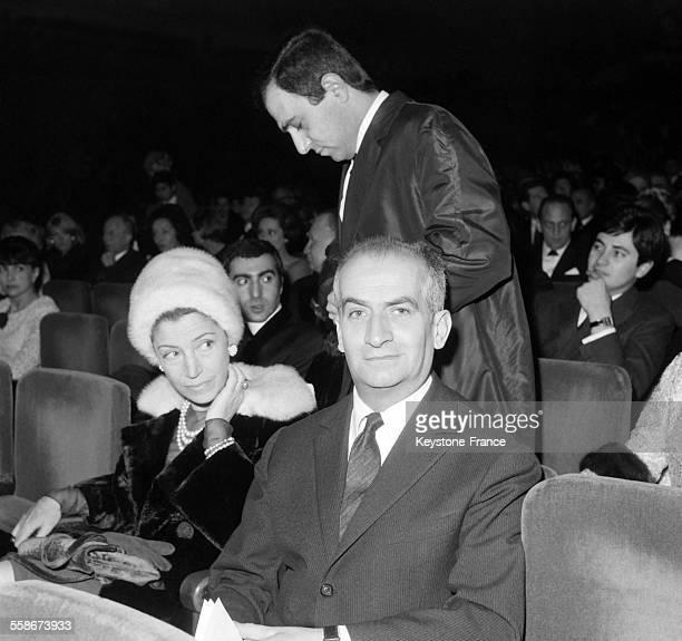 Louis de Funes et sa femme Germaine Louise Elodie Carroyer venus assister au concert de Charles Aznavour a l'Olympia le 22 janvier 1965 a Paris France