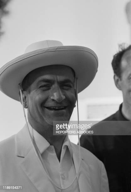 Louis de Funès lors du tournage du film 'Le gendarme de SaintTropez' réalisé par Jean Girault le 22 mai 1964 à SaintTropez France