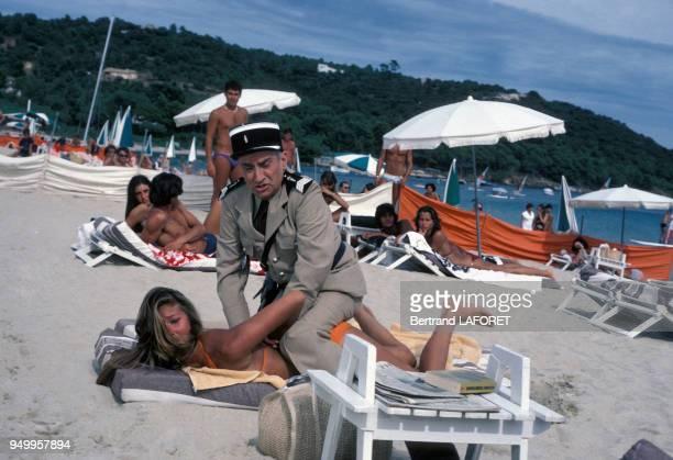Louis de Funès lors du tournage du film 'Le Gendarme et les Extraterrestres' de Jean Girault en septembre 1978 à SaintTropez France